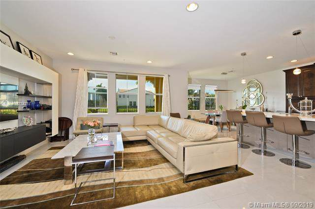 12566 NW 32nd Mnr, Sunrise, FL 33323 (MLS #A10734231) :: Grove Properties