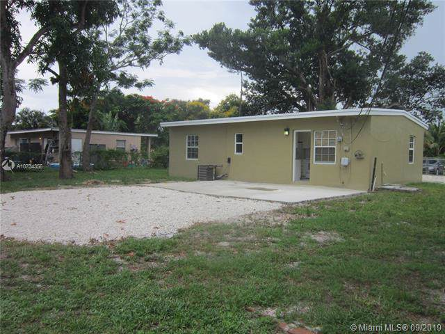 15935 E Bunche Park Dr, Miami Gardens, FL 33054 (MLS #A10734356) :: Grove Properties
