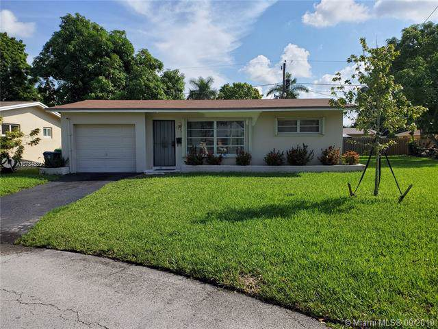 2220 NW 81st Ter, Sunrise, FL 33322 (MLS #A10734839) :: Ray De Leon with One Sotheby's International Realty