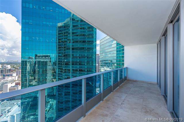 200 Biscayne Boulevard Way #4210, Miami, FL 33131 (MLS #A10734995) :: Ray De Leon with One Sotheby's International Realty