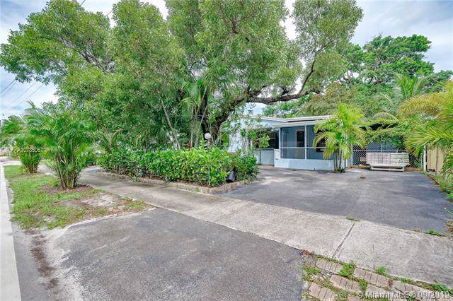 1601 N 72nd Ave, Hollywood, FL 33024 (MLS #A10735057) :: Ray De Leon with One Sotheby's International Realty