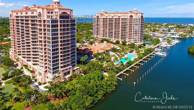 60 Edgewater Dr 14E, Coral Gables, FL 33133 (MLS #A10735203) :: The Maria Murdock Group