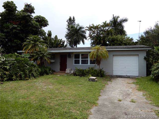 4225 SW 74th Ave, Davie, FL 33314 (MLS #A10735291) :: Ray De Leon with One Sotheby's International Realty