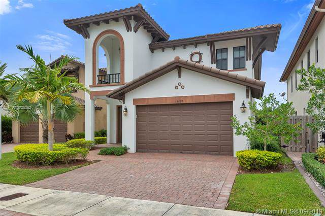 8620 NW 103rd Ave, Doral, FL 33178 (MLS #A10735363) :: The Adrian Foley Group