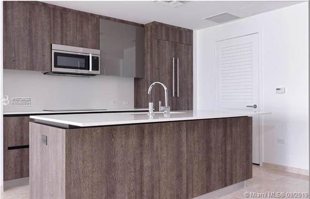 68 SE 6th St #2706, Miami, FL 33131 (MLS #A10736028) :: Grove Properties
