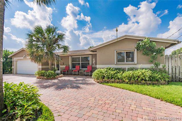 9050 SW 53rd St, Cooper City, FL 33328 (MLS #A10736185) :: The Teri Arbogast Team at Keller Williams Partners SW