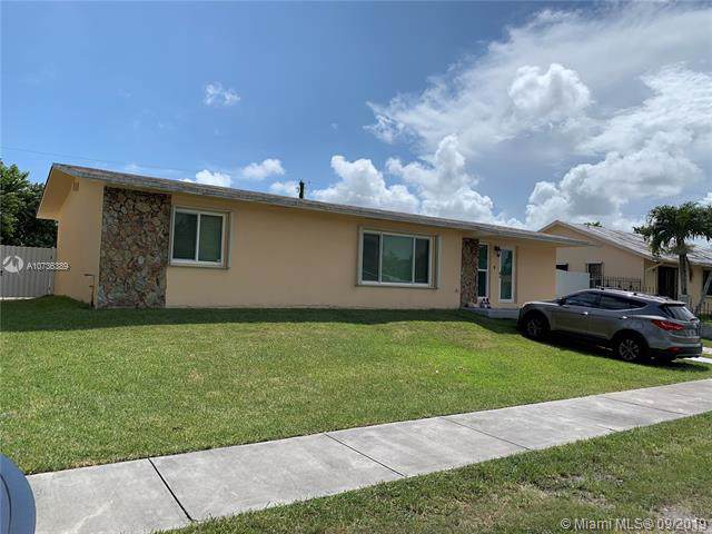 9840 SW 212th St, Cutler Bay, FL 33189 (MLS #A10736389) :: Laurie Finkelstein Reader Team