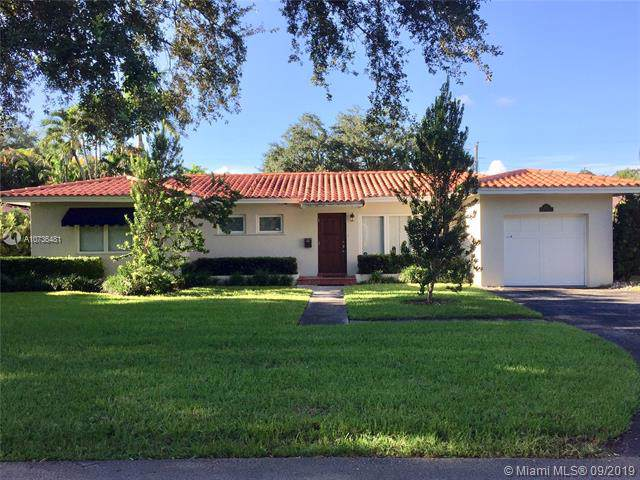 1114 Placetas Ave, Coral Gables, FL 33146 (MLS #A10736481) :: The Maria Murdock Group