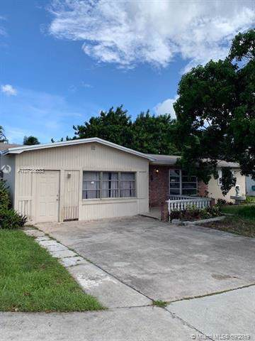 450 NW 69th Ter, Margate, FL 33063 (MLS #A10736553) :: Grove Properties