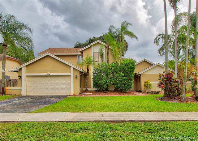 5524 SW 89th Ave, Cooper City, FL 33328 (MLS #A10736669) :: The Teri Arbogast Team at Keller Williams Partners SW