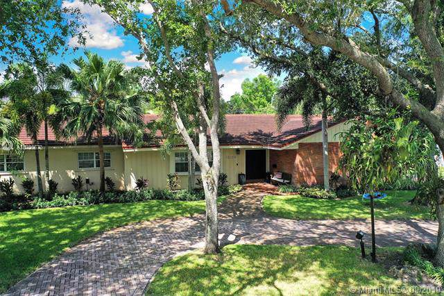 13150 SW 71 Ave, Pinecrest, FL 33156 (MLS #A10736670) :: The Riley Smith Group