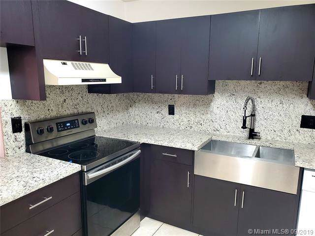 7443 NW 34th St, Lauderhill, FL 33319 (MLS #A10736793) :: Ray De Leon with One Sotheby's International Realty
