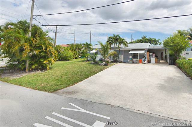 4820 SW 41st Ave, Dania Beach, FL 33314 (MLS #A10736946) :: Ray De Leon with One Sotheby's International Realty