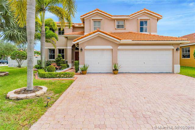 1379 NW 166th Ave, Pembroke Pines, FL 33028 (MLS #A10736964) :: Grove Properties