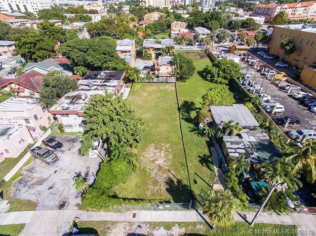 1253 SW 4th St, Miami, FL 33135 (MLS #A10737080) :: Grove Properties
