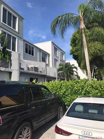 2750 NE 8th Ave #14, Wilton Manors, FL 33334 (MLS #A10737128) :: GK Realty Group LLC