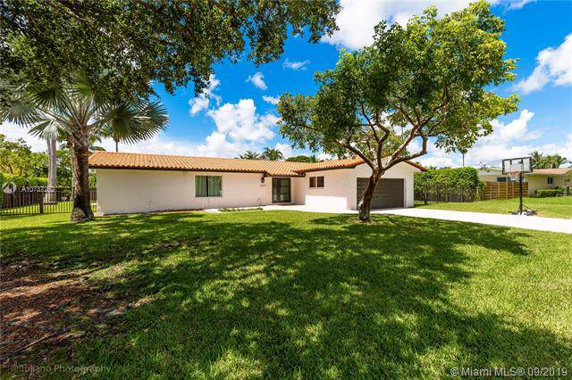10301 SW 121st St, Miami, FL 33176 (MLS #A10737262) :: The Riley Smith Group