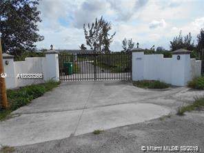 14400 SW 205 Av, Miami, FL 33196 (MLS #A10737266) :: Ray De Leon with One Sotheby's International Realty