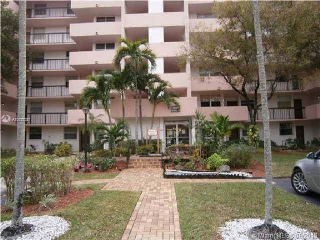 3841 Environ Blvd #634, Lauderhill, FL 33319 (MLS #A10737381) :: Ray De Leon with One Sotheby's International Realty