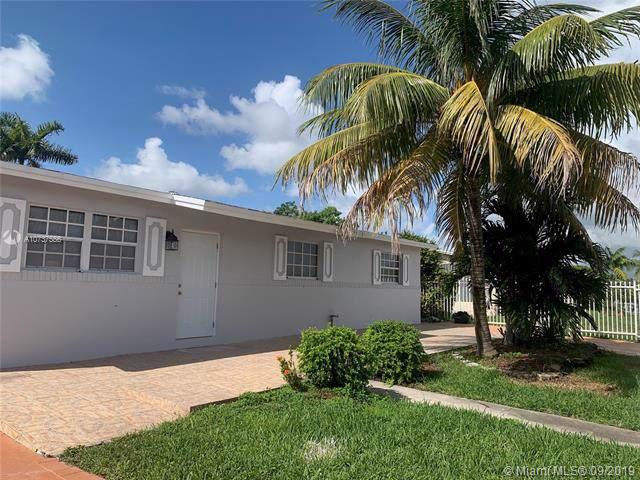 11720 SW 181st Ter #1, Miami, FL 33177 (MLS #A10737556) :: The Kurz Team