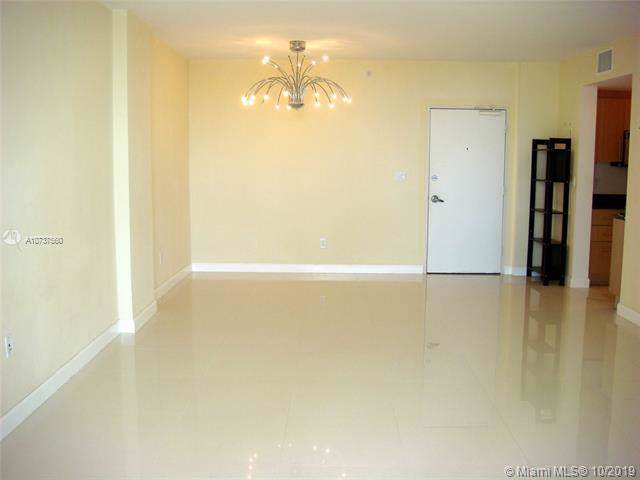 10275 E Collins Ave #218, Bal Harbour, FL 33154 (MLS #A10737560) :: Miami Villa Group