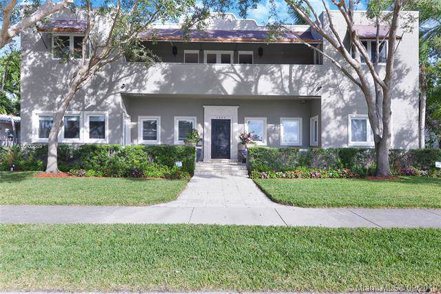1227 Jackson St, Hollywood, FL 33019 (MLS #A10737689) :: The Kurz Team
