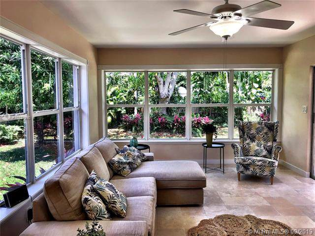 425 NE 87th St, El Portal, FL 33138 (MLS #A10737690) :: Lucido Global