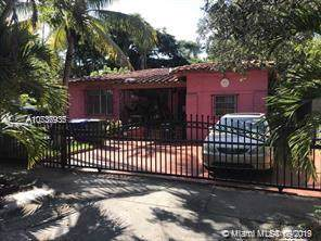 136 NE 44th St, Miami, FL 33137 (MLS #A10737935) :: Ray De Leon with One Sotheby's International Realty