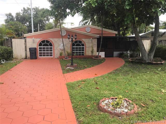 1223 NE 182nd St, North Miami Beach, FL 33162 (MLS #A10738076) :: The Paiz Group