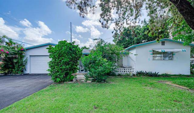 421 SW 70th Ter, Pembroke Pines, FL 33023 (MLS #A10738172) :: The Rose Harris Group