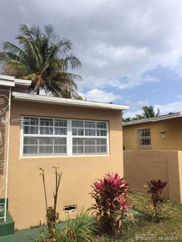 1381 NE 214th St, Miami, FL 33179 (MLS #A10738545) :: Ray De Leon with One Sotheby's International Realty