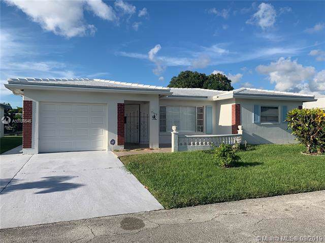 7103 NW 73rd St, Tamarac, FL 33321 (MLS #A10738548) :: Ray De Leon with One Sotheby's International Realty