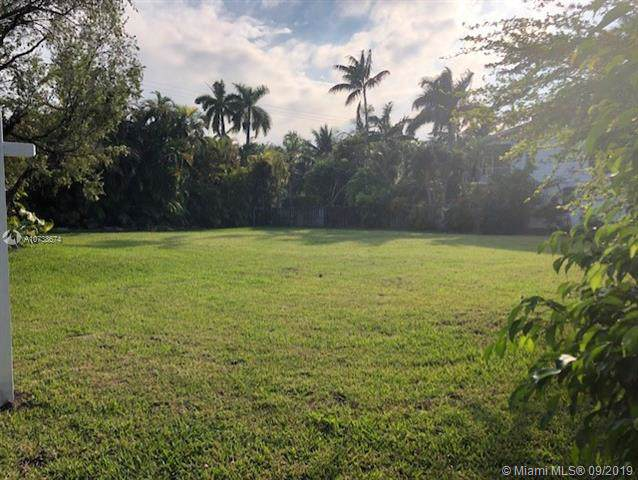 1000 Harrison St, Hollywood, FL 33019 (MLS #A10738674) :: The Kurz Team