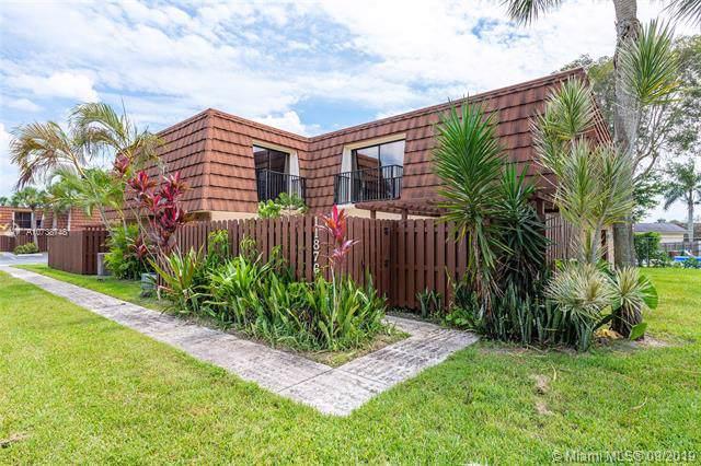 11876 SW 9th Mnr, Davie, FL 33325 (MLS #A10738748) :: Ray De Leon with One Sotheby's International Realty