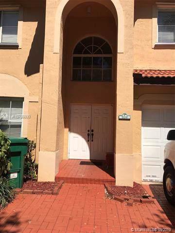 208 Magnolia Ave, Davie, FL 33325 (MLS #A10738800) :: The Kurz Team