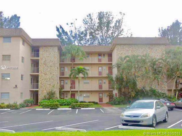 2500 SW 81st Ave #401, Davie, FL 33324 (MLS #A10738836) :: Ray De Leon with One Sotheby's International Realty