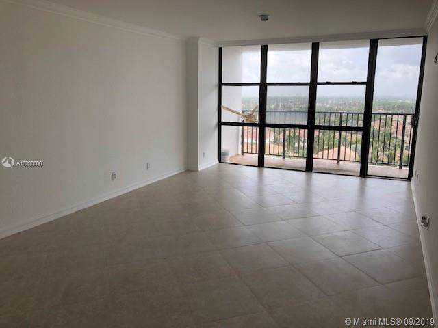 1000 Parkview Dr #1015, Hallandale, FL 33009 (MLS #A10738866) :: RE/MAX Presidential Real Estate Group