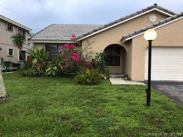 5911 York Ln, Davie, FL 33331 (MLS #A10738973) :: The Teri Arbogast Team at Keller Williams Partners SW