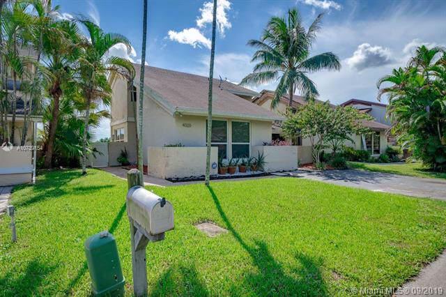 4020 SW 84th Ter, Davie, FL 33328 (MLS #A10739154) :: Grove Properties