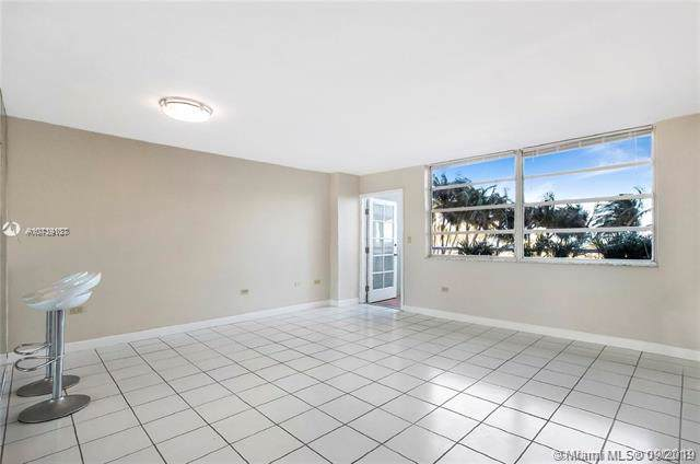 7135 Collins Ave #334, Miami Beach, FL 33141 (MLS #A10739187) :: GK Realty Group LLC