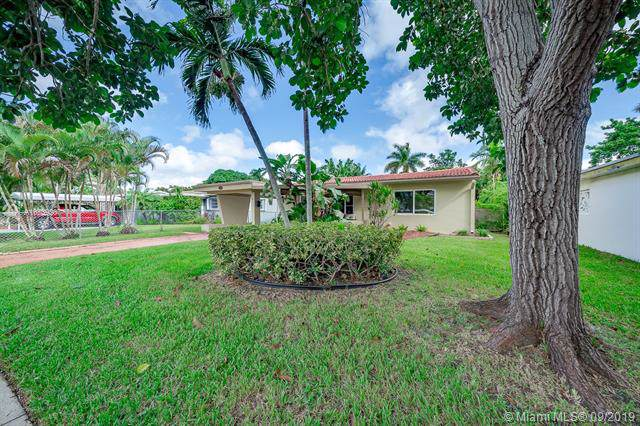 1419 Hayes St, Hollywood, FL 33020 (MLS #A10739207) :: GK Realty Group LLC