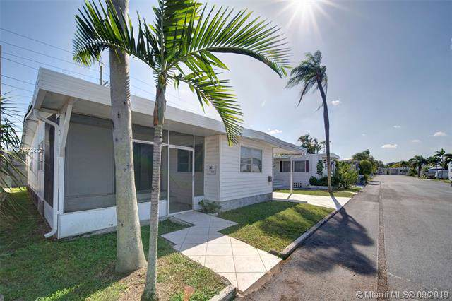 141 W Lake Shore Dr, Pembroke Park, FL 33009 (MLS #A10739221) :: The Kurz Team