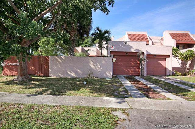 Lauderhill, FL 33313 :: The Teri Arbogast Team at Keller Williams Partners SW