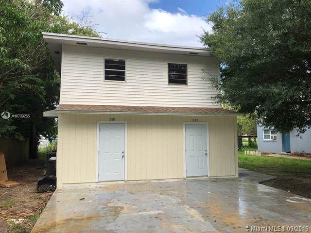 1081 S De Leon Avenue, Titusville, FL 32780 (MLS #A10739265) :: Laurie Finkelstein Reader Team