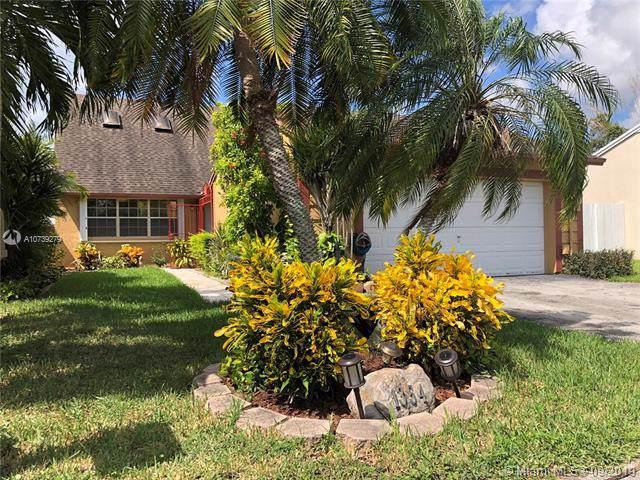 1354 Pelican Ct, Homestead, FL 33035 (MLS #A10739279) :: GK Realty Group LLC