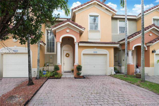 16628 SW 79th Ter, Miami, FL 33193 (MLS #A10739362) :: Ray De Leon with One Sotheby's International Realty