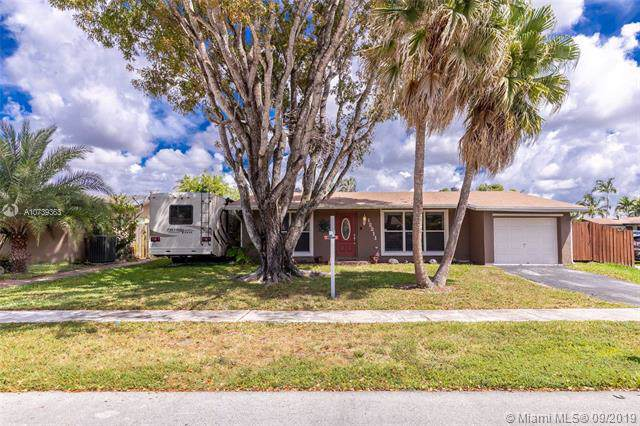 12211 NW 29th St, Sunrise, FL 33323 (MLS #A10739363) :: Castelli Real Estate Services