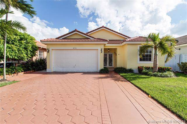 8772 NW 146th Ln, Miami Lakes, FL 33018 (MLS #A10739483) :: RE/MAX Presidential Real Estate Group