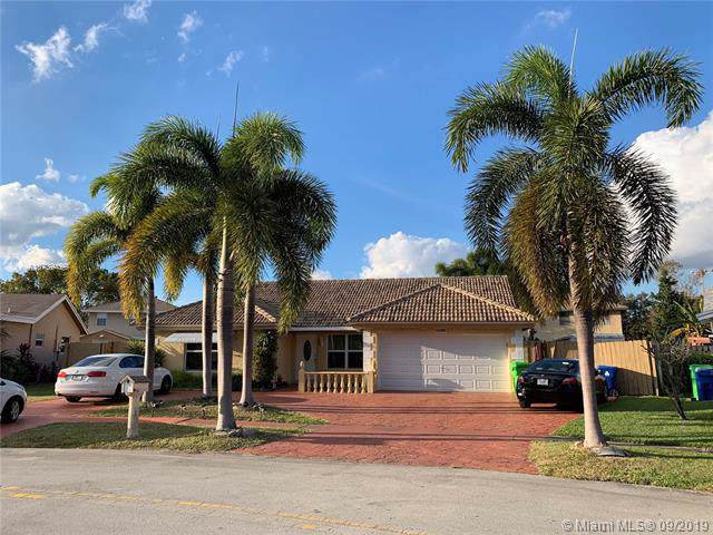 11800 NW 43rd Pl, Sunrise, FL 33323 (MLS #A10739499) :: Ray De Leon with One Sotheby's International Realty