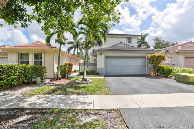 288 NW 74th Way, Plantation, FL 33317 (MLS #A10739507) :: Grove Properties